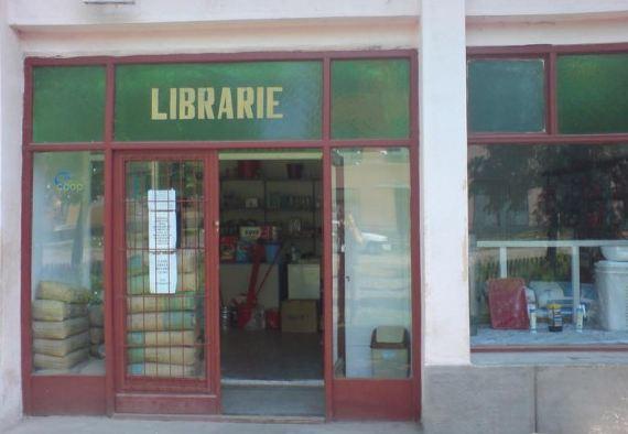 De vanzare la librarie